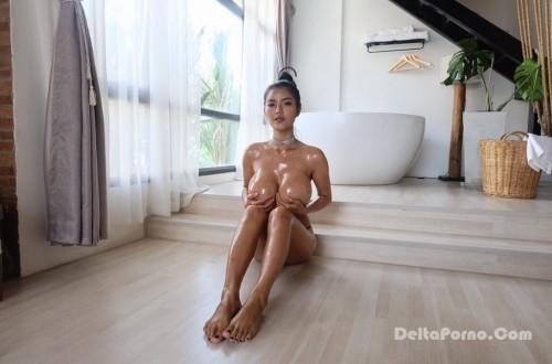 Faii Orapun Nude Instagram Model Big Tits 16