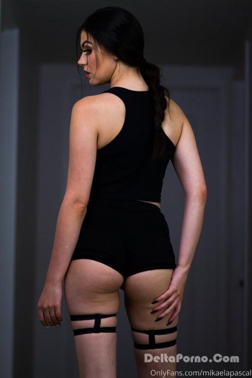 Nackt  Mikaela Pascal Mikaela Pascal
